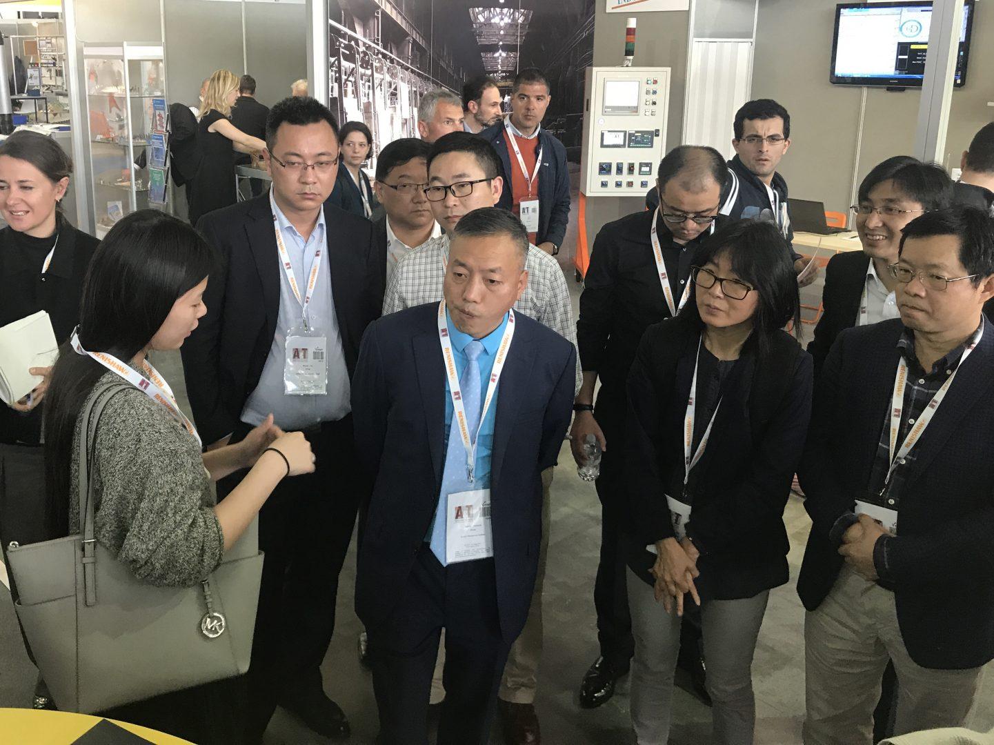 La delegazione Cinese in visita allo stand Mesap